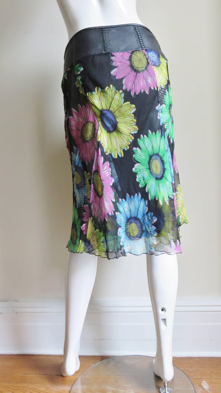 Gianni Versace Silk and Leather Skirt 1990s For Sale 10