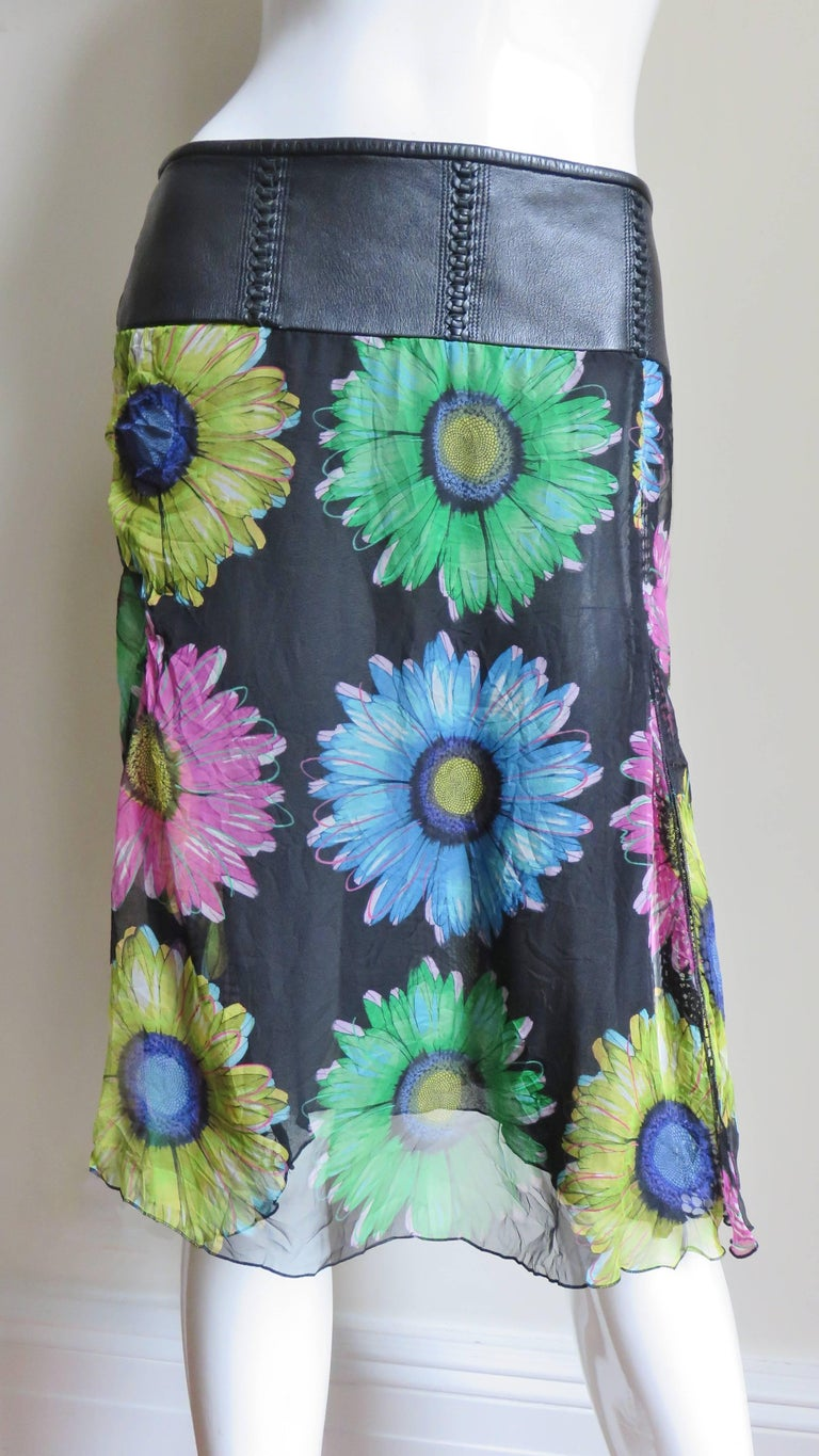 Women's Gianni Versace Silk and Leather Skirt 1990s For Sale