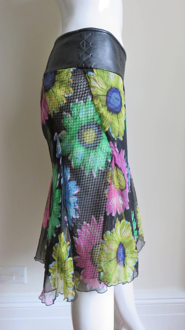 Gianni Versace Silk and Leather Skirt 1990s For Sale 2