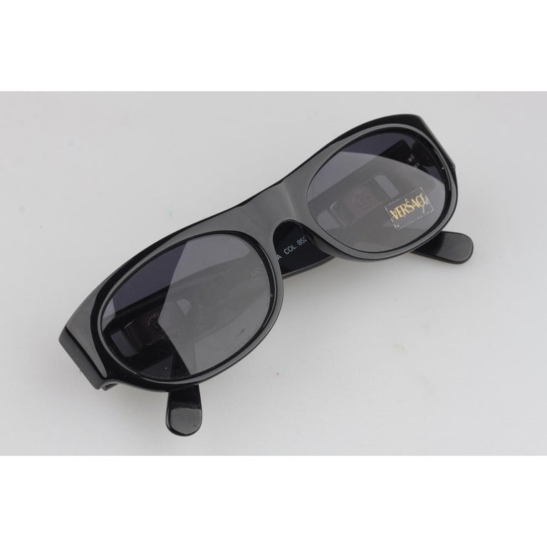 a8da63997d7 Gianni Versace Vintage Black Sunglasses Mod 474A Col 852 New Old ...