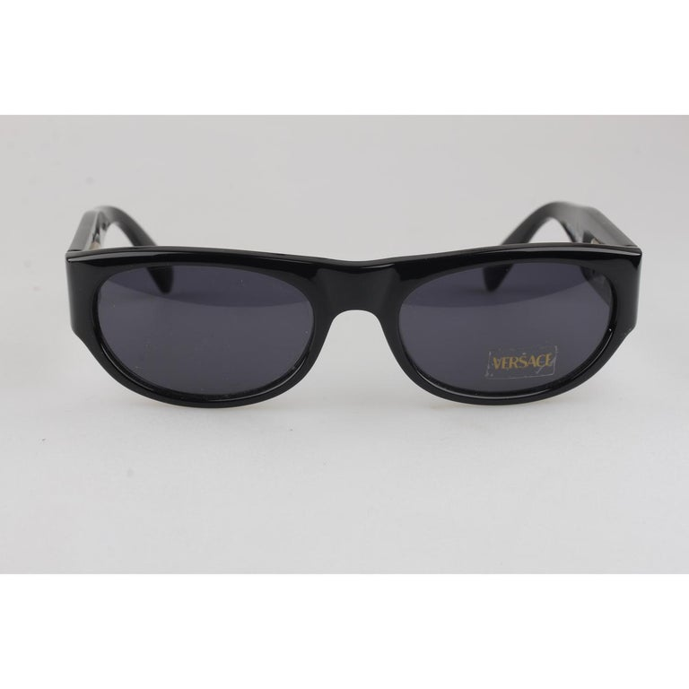 8681e4da6c8 Gianni Versace Vintage Black Sunglasses Mod 474A Col 852 New Old Stock In  New Condition For