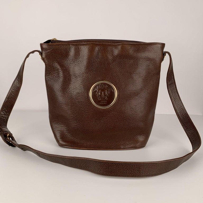 Women's Gianni Versace Vintage Brown Leather Medusa Bucket Shoulder Bag For Sale