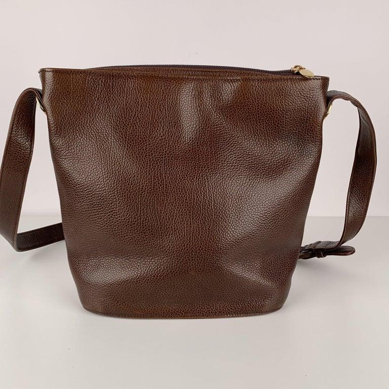 Gianni Versace Vintage Brown Leather Medusa Bucket Shoulder Bag For Sale 3