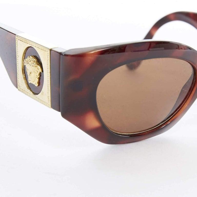 GIANNI VERSACE Vintage brown tortoise angular cateye gold Medusa sunglasses For Sale 2