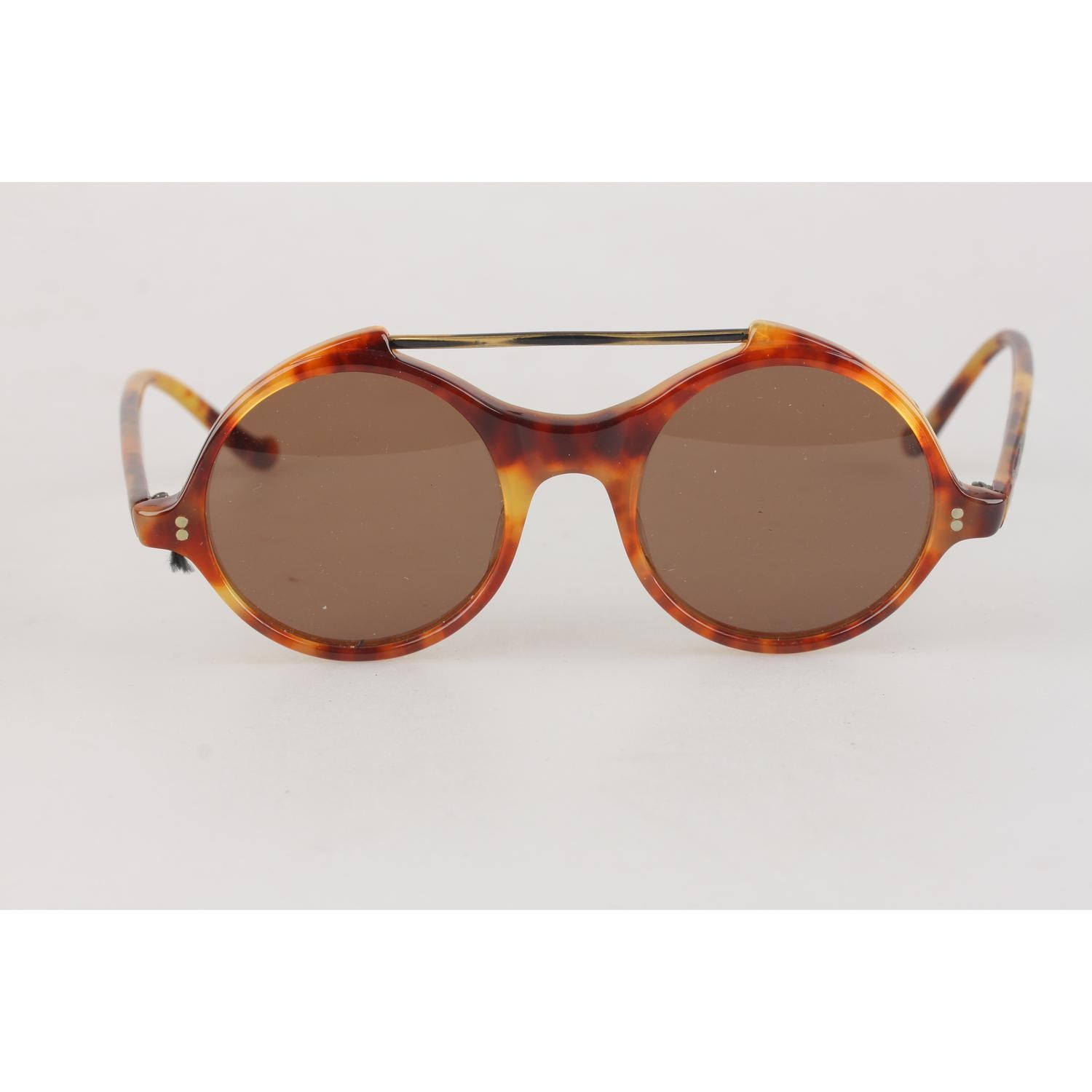 5d07aa689 Gianni Versace Vintage Round Sunglasses Mod. 531 45mm New Old Stock For Sale  at 1stdibs