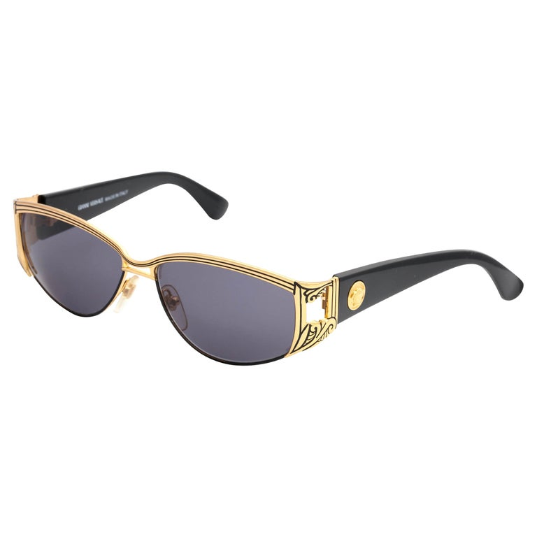 717fafd65040 Gianni Versace Vintage Sunglasses Mod S 62 Col 18L For Sale at 1stdibs