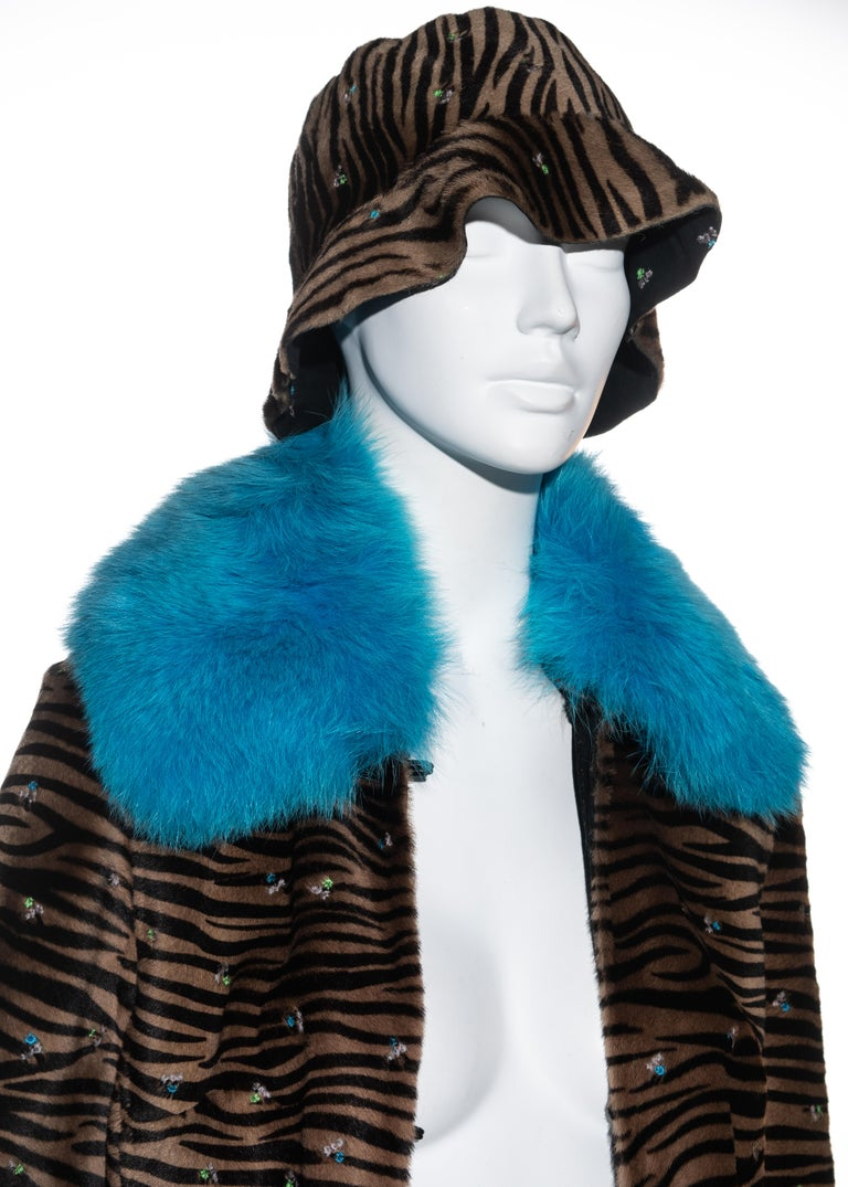 Gianni Versace zebra print pony hair coat with fox fur and bucket hat, fw 1999 In Excellent Condition In London, GB