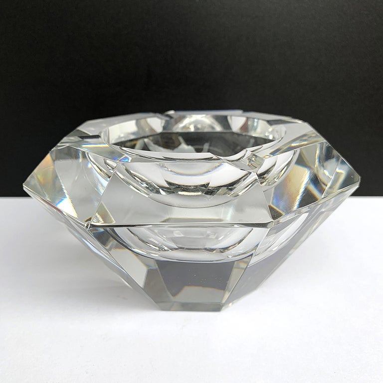 Giant Flavio Poli Bowl in Faceted Murano Glass in the Shape of a Diamond, Italy For Sale 4