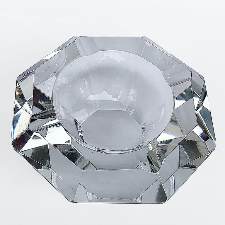 Mid-Century Modern Giant Flavio Poli Bowl in Faceted Murano Glass in the Shape of a Diamond, Italy For Sale