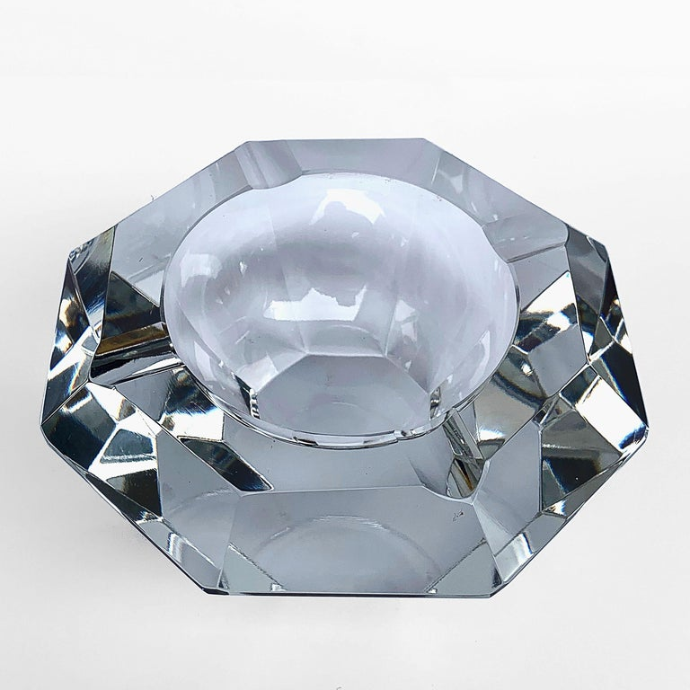 Giant Flavio Poli Bowl in Faceted Murano Glass in the Shape of a Diamond, Italy In Good Condition For Sale In Roma, IT