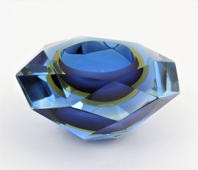 Flavio Poli Murano Cobalt Blue and Yellow Sommerso Faceted Giant Art Glass Bowl For Sale 4