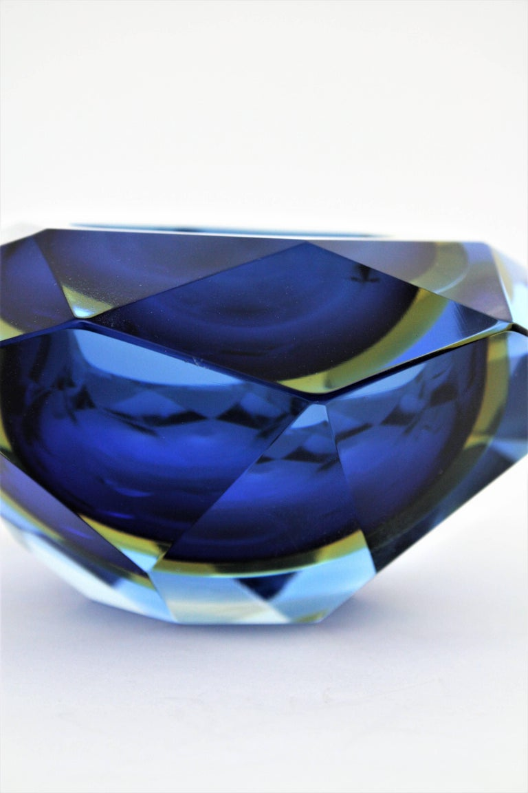Flavio Poli Murano Cobalt Blue and Yellow Sommerso Faceted Giant Art Glass Bowl For Sale 5