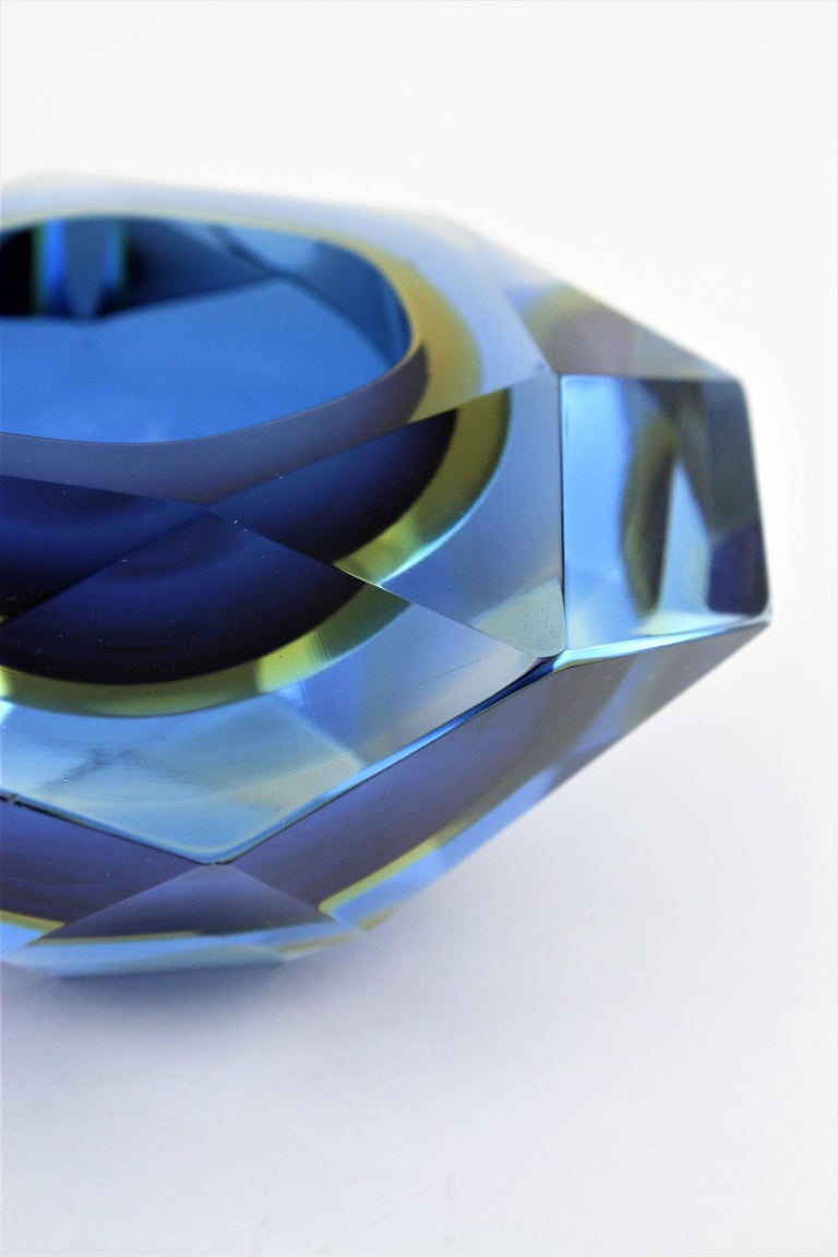 20th Century Flavio Poli Murano Cobalt Blue and Yellow Sommerso Faceted Giant Art Glass Bowl For Sale