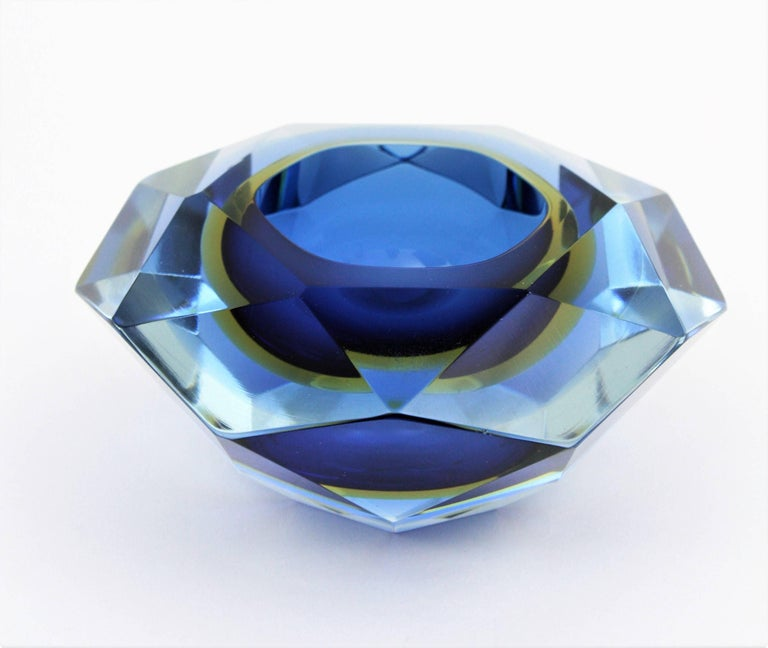 Flavio Poli Murano Cobalt Blue and Yellow Sommerso Faceted Giant Art Glass Bowl For Sale 1