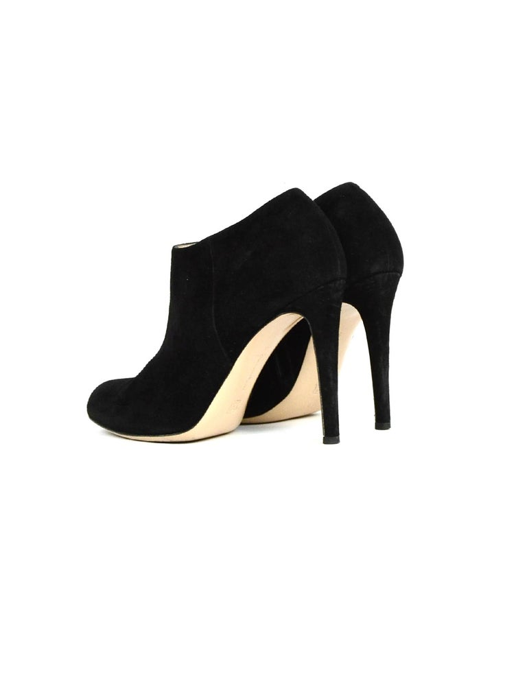 Gianvito Rossi Black Suede Ankle Boot sz 39 In Good Condition For Sale In New York, NY