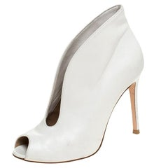 Gianvito Rossi White Leather V Neck Peep Toe Booties Size 37