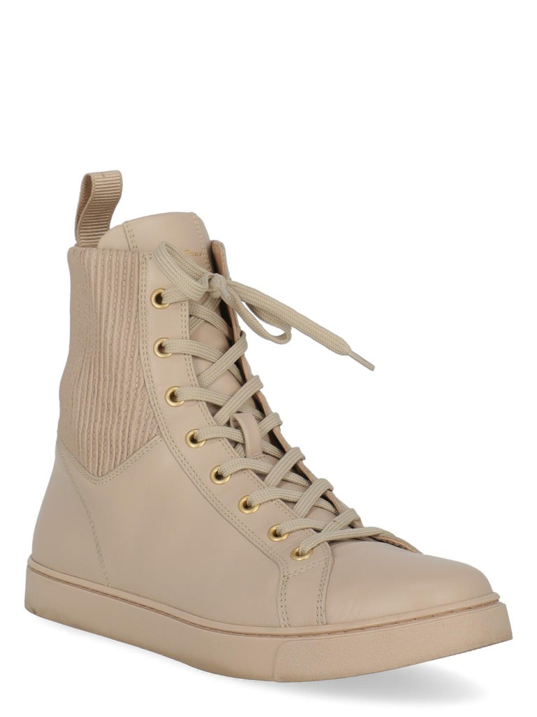 Product Description: Sneaker, leather, solid color, lace-up, gold-tone hardware, round toe, branded insole  Includes: Box Product care  Product Condition: Very Good Sole: visible signs of use. Upper: negligible scratch, slightly visible stains,