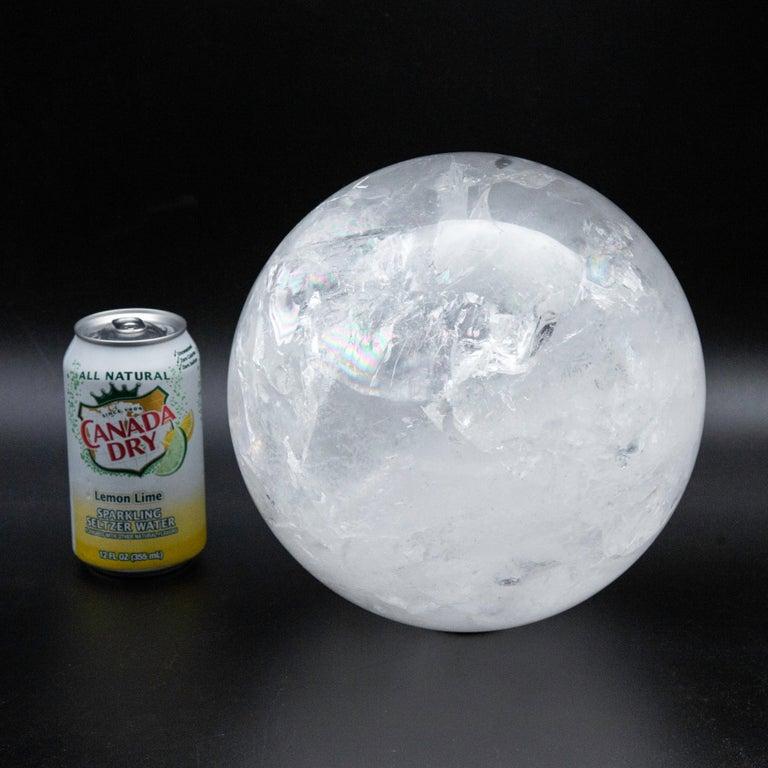 Rock crystal/quartz sphere. Measure: 8.5