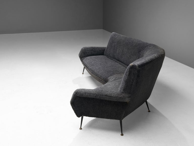 Gigi Radice for Minotti Curved Sofa in Grey Upholstery In Good Condition For Sale In Waalwijk, NL