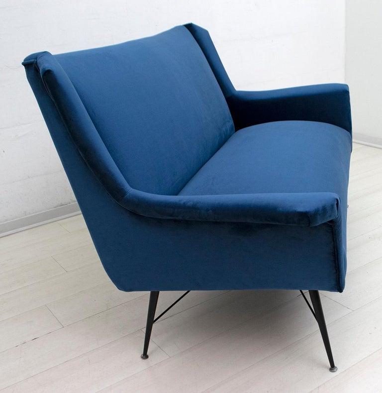 Velvet Gigi Radice Mid-Century Modern Italian Sofa for Minotti, 1950s For Sale