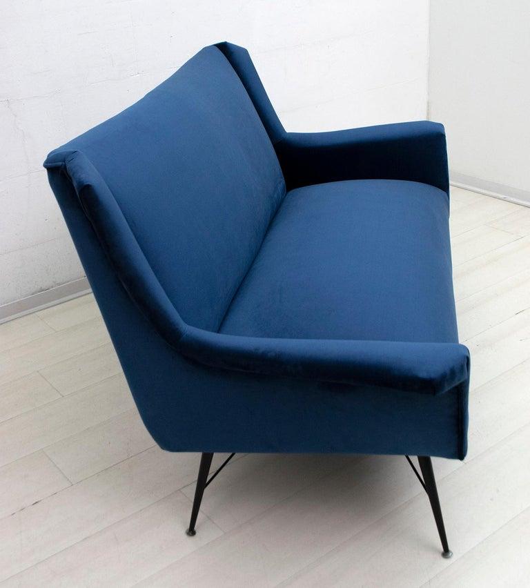 Gigi Radice Mid-Century Modern Italian Sofa for Minotti, 1950s For Sale 2