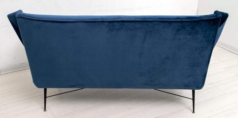 Gigi Radice Mid-Century Modern Italian Sofa for Minotti, 1950s For Sale 3