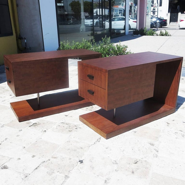 American Gilbert Rohde / Herman Miller Refinished 1939 Art Deco End Tables For Sale