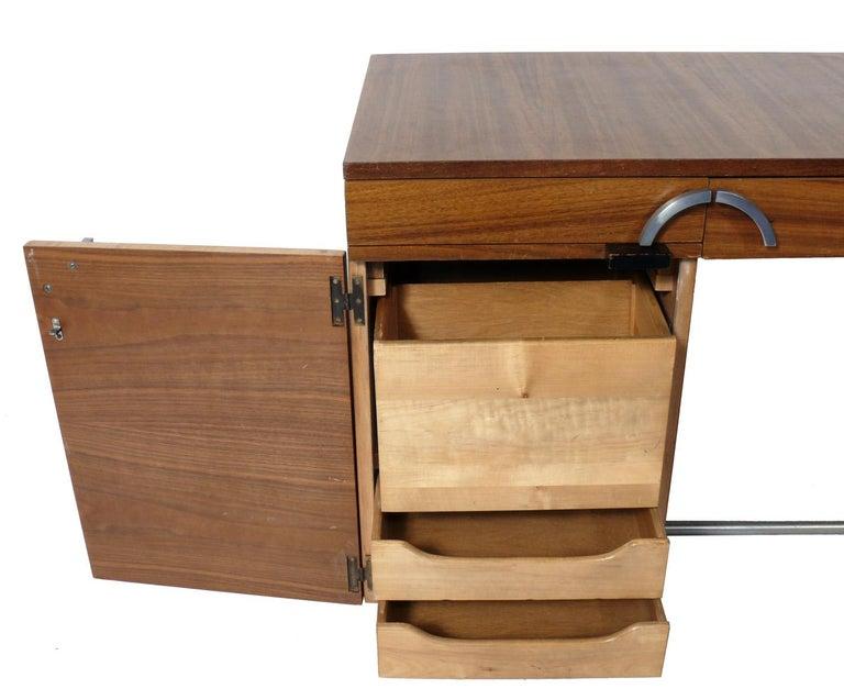 Gilbert Rohde Art Deco Desk  In Good Condition For Sale In Atlanta, GA