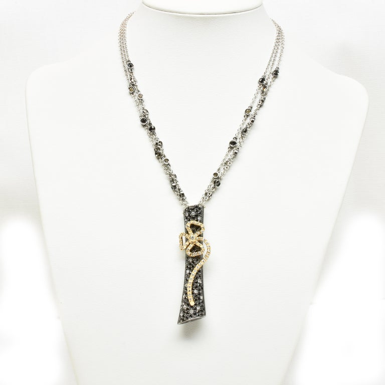 Women's Black and White Diamonds Black Gold Necklace Made in Italy For Sale