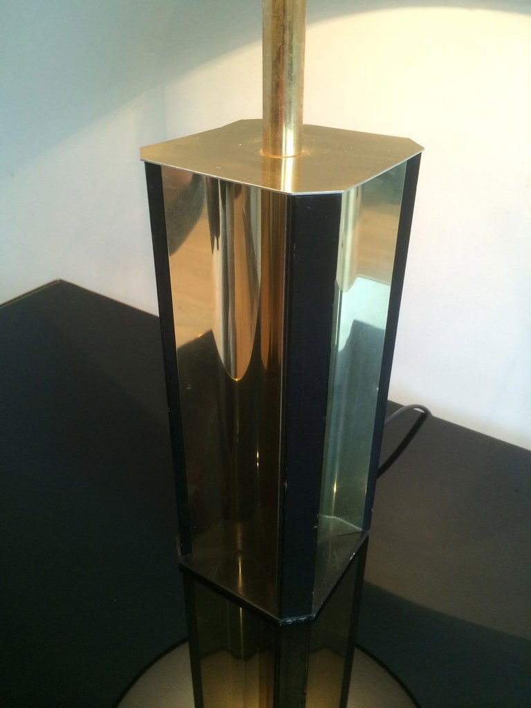 Mid-Century Modern Gilt Metal and Black Wood Lamp with Convex Gild Metal Base, circa 1970 For Sale