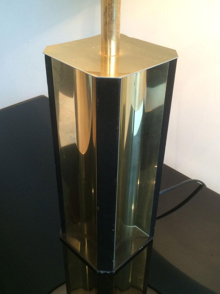 French Gilt Metal and Black Wood Lamp with Convex Gild Metal Base, circa 1970 For Sale