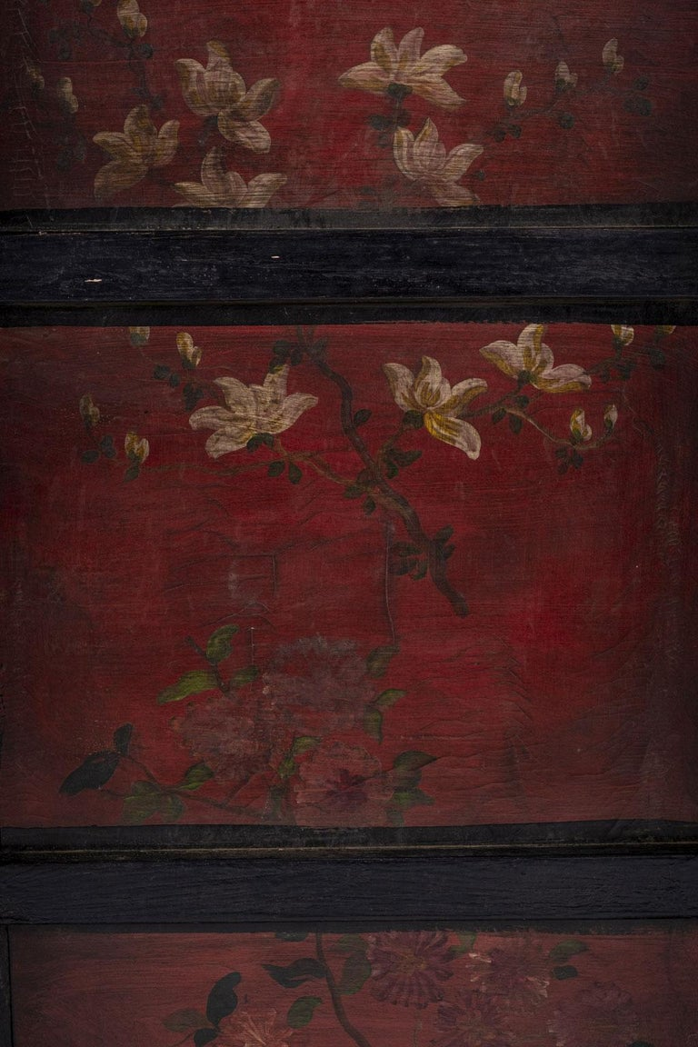 Gilded Chinese Style Black Lacquer Coffee Table For Sale 3