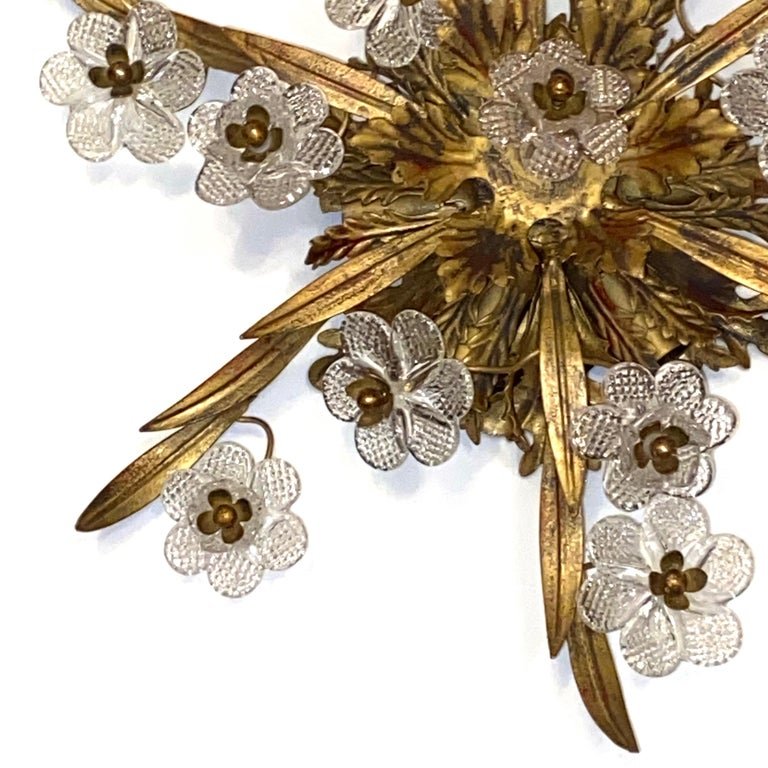 Gilded Leaf and Murano Glass Tole Hollywood Regency Flushmount Banci, Italy For Sale 4