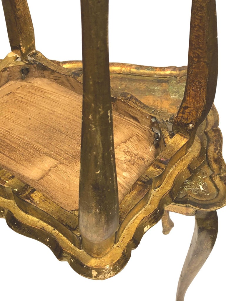 Gilded Wood Toleware Tole Set of two Nesting Tables Hollywood Regency Style For Sale 8