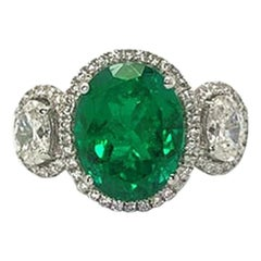 GILIN 18 Karat White Gold 3.99 Carat Emerald Diamond Ring