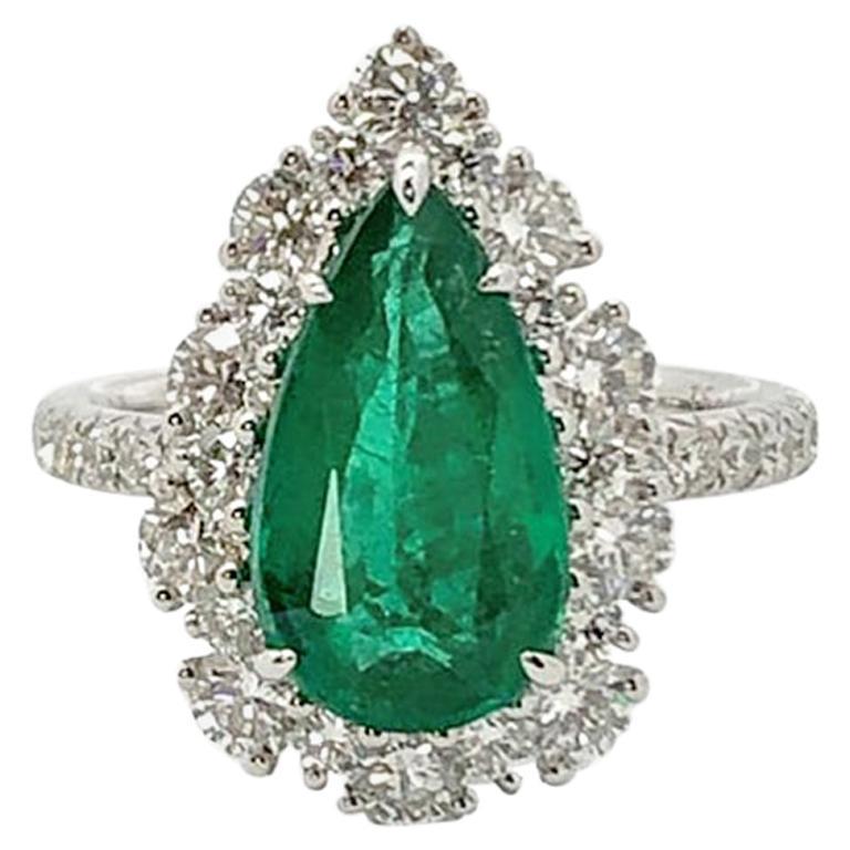 Gilin 18k White Gold 2.35 Carat Zambia Vivid Green Zambian Emerald Diamond Ring For Sale