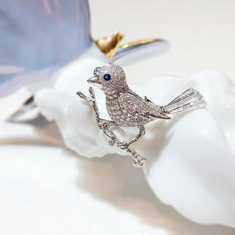 Gilin Bird Brooch with Diamond and Sapphire in 18 Karat White Gold For Sale 1