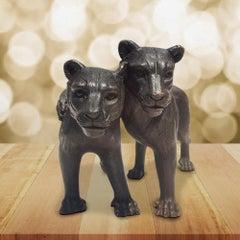 Sculpture - Art - Bronze - Gillie and Marc - Lion - Cub - Love - Hug - Wildlife