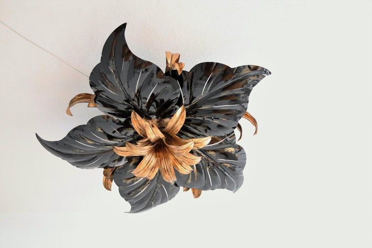 Italian Midcentury Gilt and Black Metal Flush Mount Ceiling Lamp by Kogl, 1970s In Good Condition For Sale In Clivio, Varese