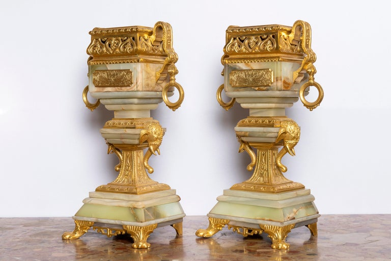 French Gilt Bronze and Onyx Garniture, Orientalist Style, France, circa 1890 For Sale