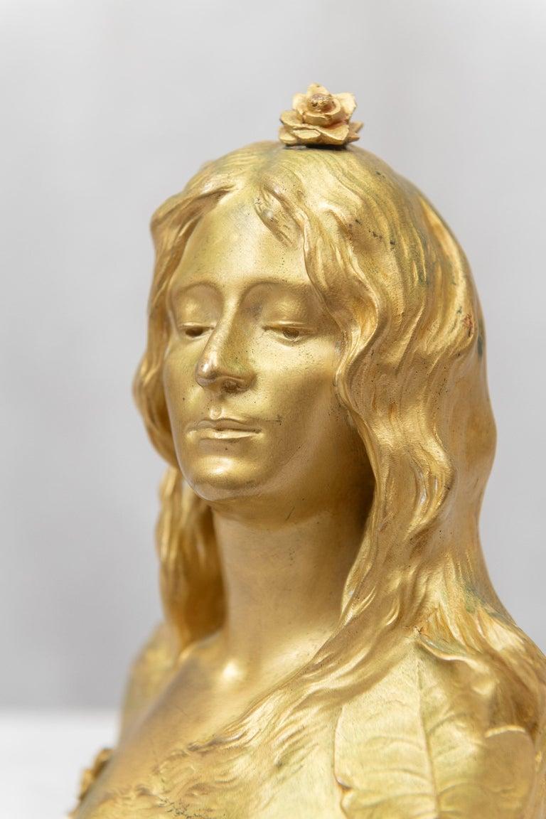 Gilt Bronze Art Nouveau Bust of a Young Maiden, Artist Signed Savine, circa 1895 For Sale 5