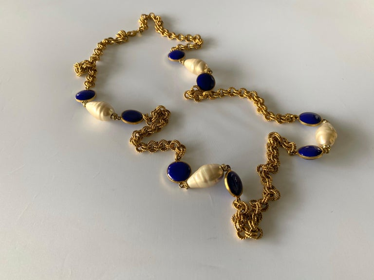 Gilt Chain Navy Blue and Pearl Pate De Verre Necklace For Sale 2