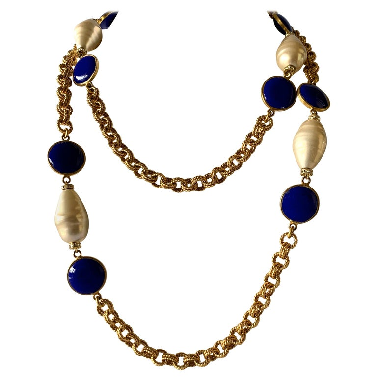 Gilt Chain Navy Blue and Pearl Pate De Verre Necklace For Sale