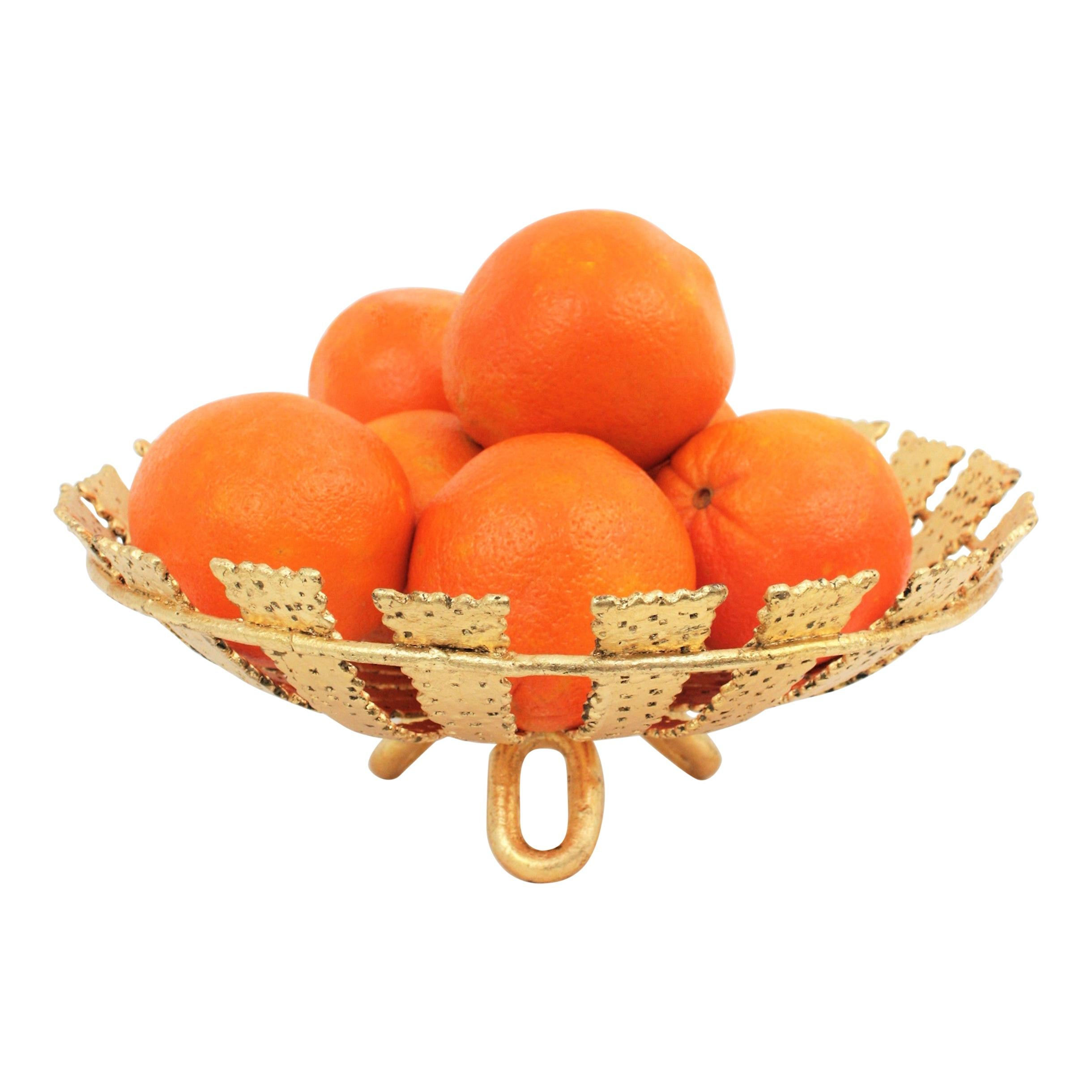 Sunburst Centerpiece or Footed Fruit Bowl in Gilt Wrought Iron