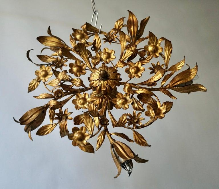 Gilt Metal Sunburst Light Fixture or Flush Mount In Good Condition For Sale In Antwerp, BE