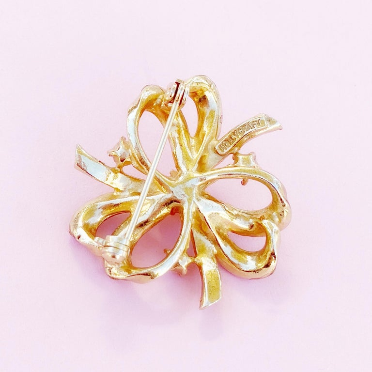 Women's Gilt & Pastel Pink Rhinestone Bow Brooch With Pearl Accents By Hollycraft, 1950s For Sale