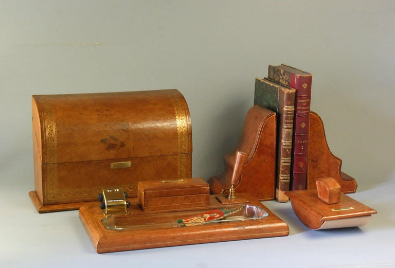 Gilt Tooled Leather Desk Accessories Italian or French, 20th Century In Good Condition For Sale In Ottawa, Ontario