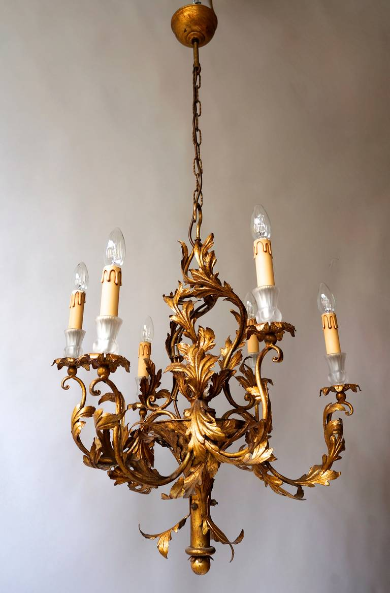 Gilt Wrought Iron Chandelier with Japanese Geisha in Crystal For Sale 1