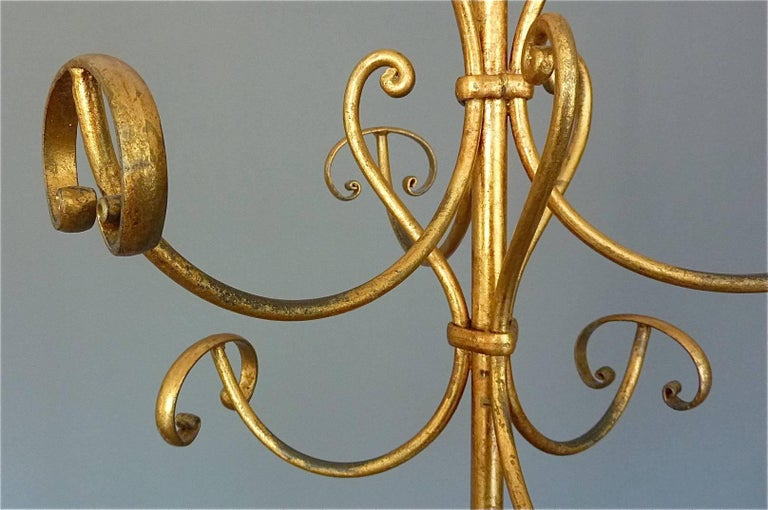 Gilt Wrought Iron Metal Coat Stand Hat Rack Fornasetti Kögl Style, Italy, 1950s In Good Condition For Sale In Nierstein am Rhein, DE
