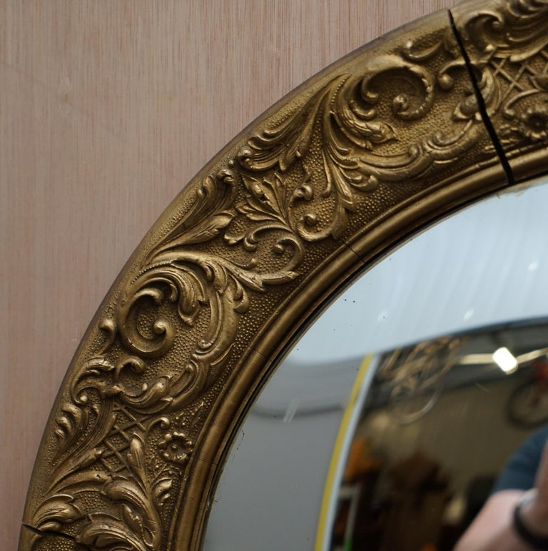 Giltwood Ornate Frame and Plaster Regency Ships Style Convex Mirror Domed Glass In Good Condition For Sale In London, GB